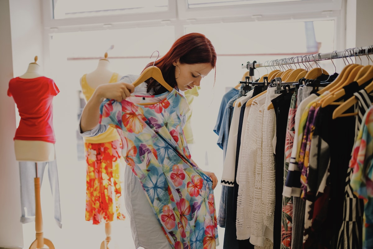 The Growing Trend of Vintage Clothing and shopping it through Online Store
