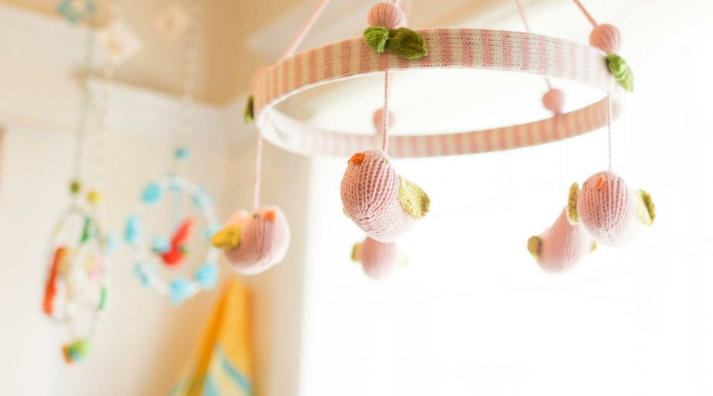 How to decorate A Baby's Nursery Yourself