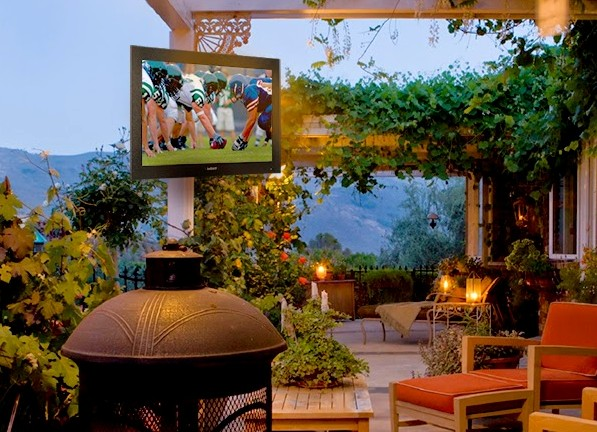 Outdoor TV Enclosure: All You Need To Know to Build a Durable One